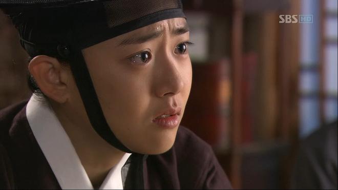 5 diễn viên Hàn bị tai nạn nghiêm trọng trên phim trường: T.O.P suýt mù một mắt, Lee Na Young xém mất mạng - Ảnh 4