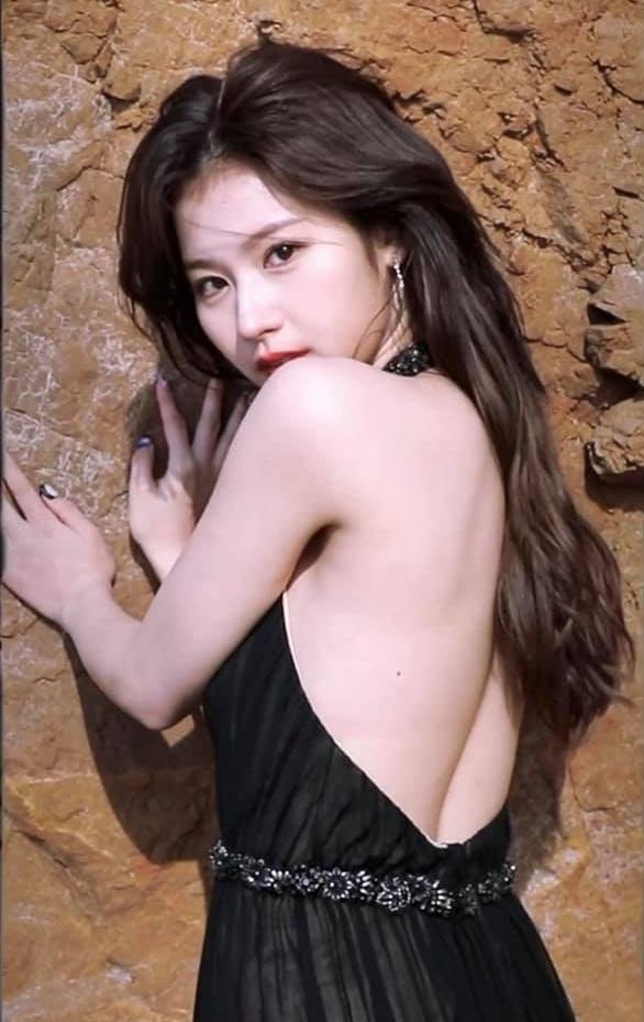 Idol Kbiz so kè cực gắt khi diện đồ hở lưng: Jisoo kín nhất BLACKPINK, Irene – Yoona cạnh tranh ngôi nữ hoàng - Ảnh 8
