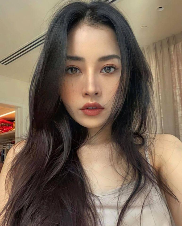 Sao Việt 24h: Tránh dịch tại nhà, Chi Pu và Hoa hậu Kỳ Duyên khoe mặt mộc đẹp xuất sắc - Ảnh 2