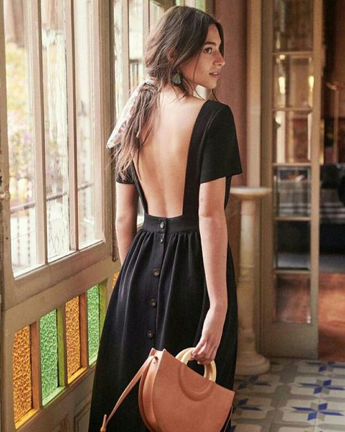Váy hở lưng thời thượng được nhiều 'bóng hồng' săn đón bỗng trở thành thảm họa thời trang đường phố - Ảnh 12