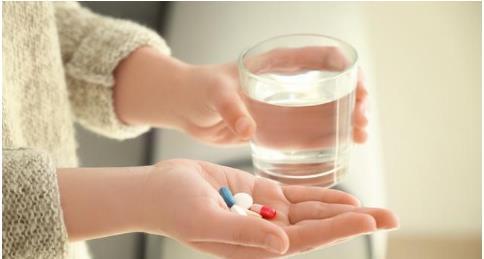 Người mắc phải bệnh cao huyết áp và bệnh tiểu đường có nhất thiết luôn phải uống thuốc không? - Ảnh 1