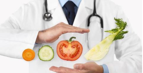 Người mắc phải bệnh cao huyết áp và bệnh tiểu đường có nhất thiết luôn phải uống thuốc không? - Ảnh 2