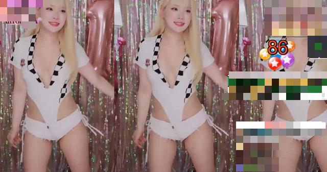 Nữ streamer bị cấm kênh vì mặc váy quá ngắn, để lộ phần nhạy cảm trên cơ thể  - Ảnh 7