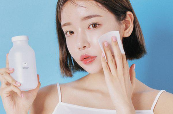 Tranh thủ thời gian nghỉ dịch, chị em hãy dưỡng da theo 5 bước này để giúp da trắng sáng bật tông, không còn khuyết điểm - Ảnh 1