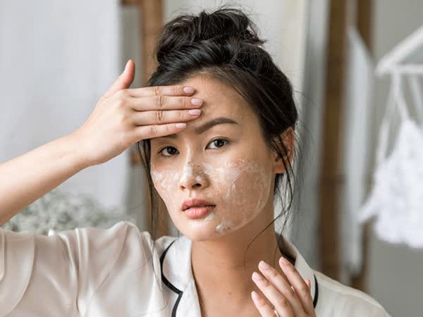 Tranh thủ thời gian nghỉ dịch, chị em hãy dưỡng da theo 5 bước này để giúp da trắng sáng bật tông, không còn khuyết điểm - Ảnh 3