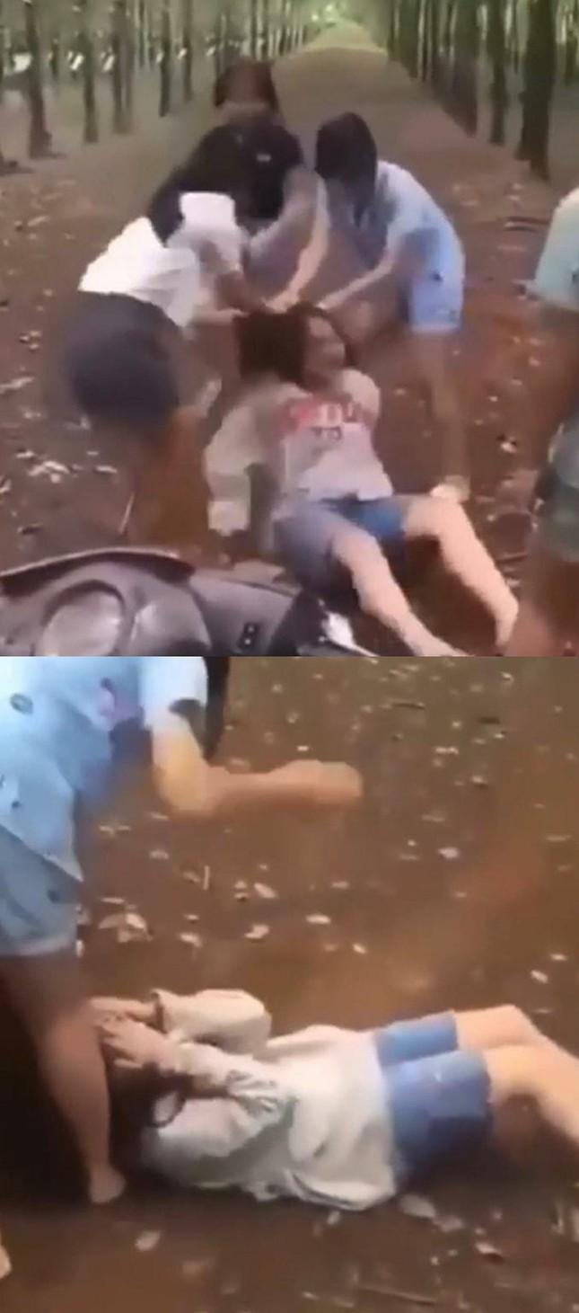 Xôn xao clip bé gái 13 tuổi ở Đồng Nai bị 2 cô gái hành hung, đạp túi bụi vào đầu, nguyên nhân chỉ vì 'tiếng gọi' - Ảnh 3