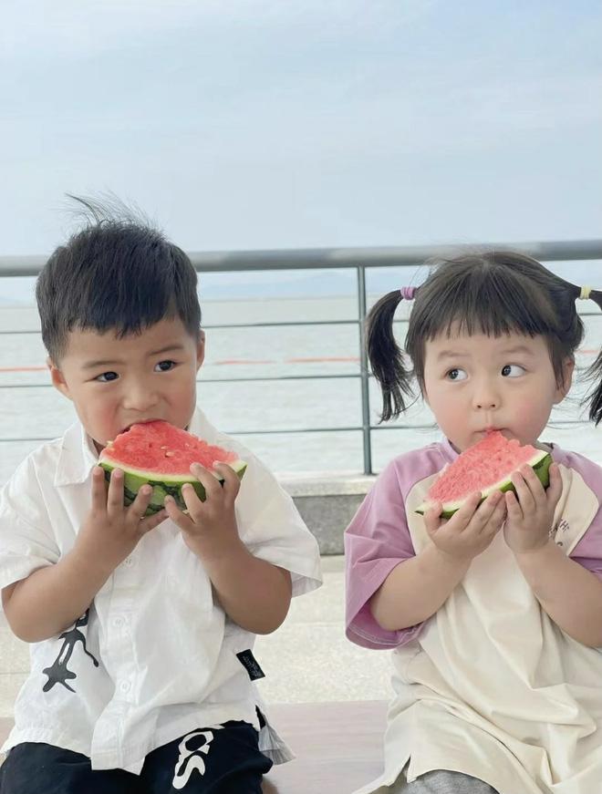 'Gia sư toàn phần' cho con cái giới siêu giàu ở Trung Quốc: Ngoại hình trẻ đẹp chuẩn gu chủ, học thức có thừa vẫn bị mất việc vì 1 quả trứng gà - Ảnh 4