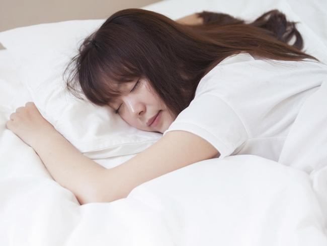 5 cách chống lo âu, buồn chán, nói không với trầm cảm trong mùa dịch, cái đầu tiên rất dễ nhưng ít ai chú trọng - Ảnh 1