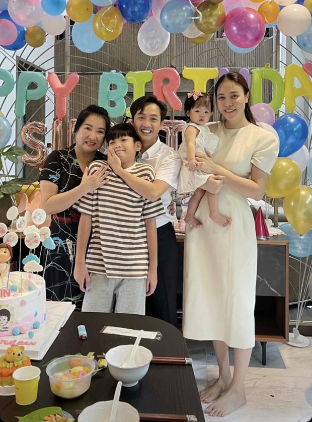 Hội nhóc tỳ đang 'phá đảo Vbiz': Bé Bo hot rần rần vượt cả mẹ, Winnie nhà Đông Nhi vừa chào đời đã lập kỷ lục đáng gờm - Ảnh 16