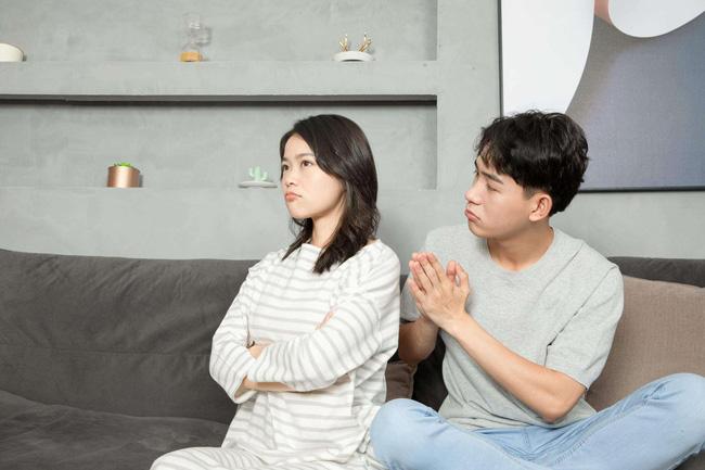 Phụ nữ dù thoải mái bộc lộ bao tâm tư cũng phải 'khắc cốt ghi tâm' giấu thật kỹ 3 thứ này với chồng nếu muốn hôn nhân hạnh phúc - Ảnh 2