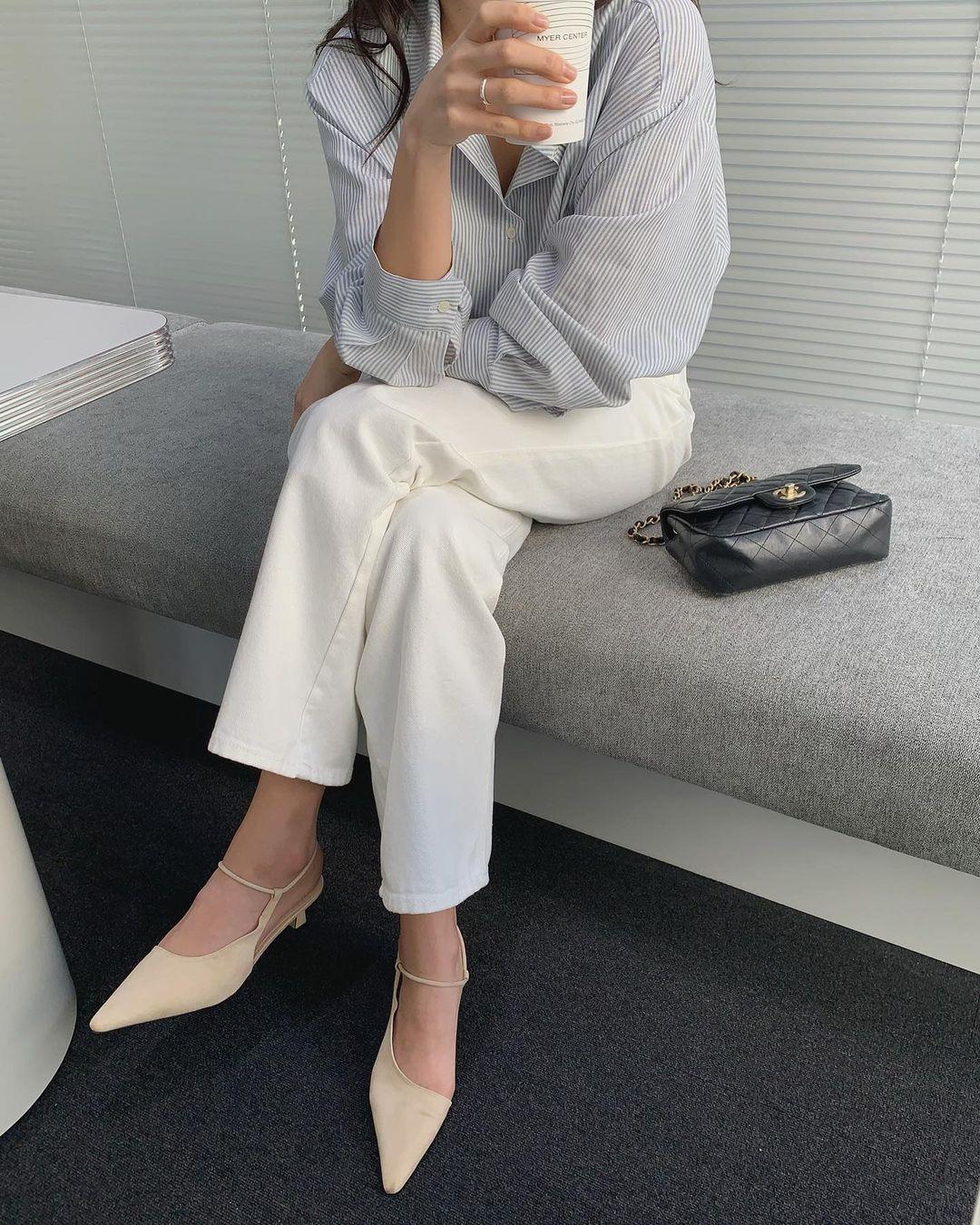 5 mẫu giày dép gái Hàn đang chuộng mix với quần âu để sang chảnh hóa cả set đồ công sở - Ảnh 12
