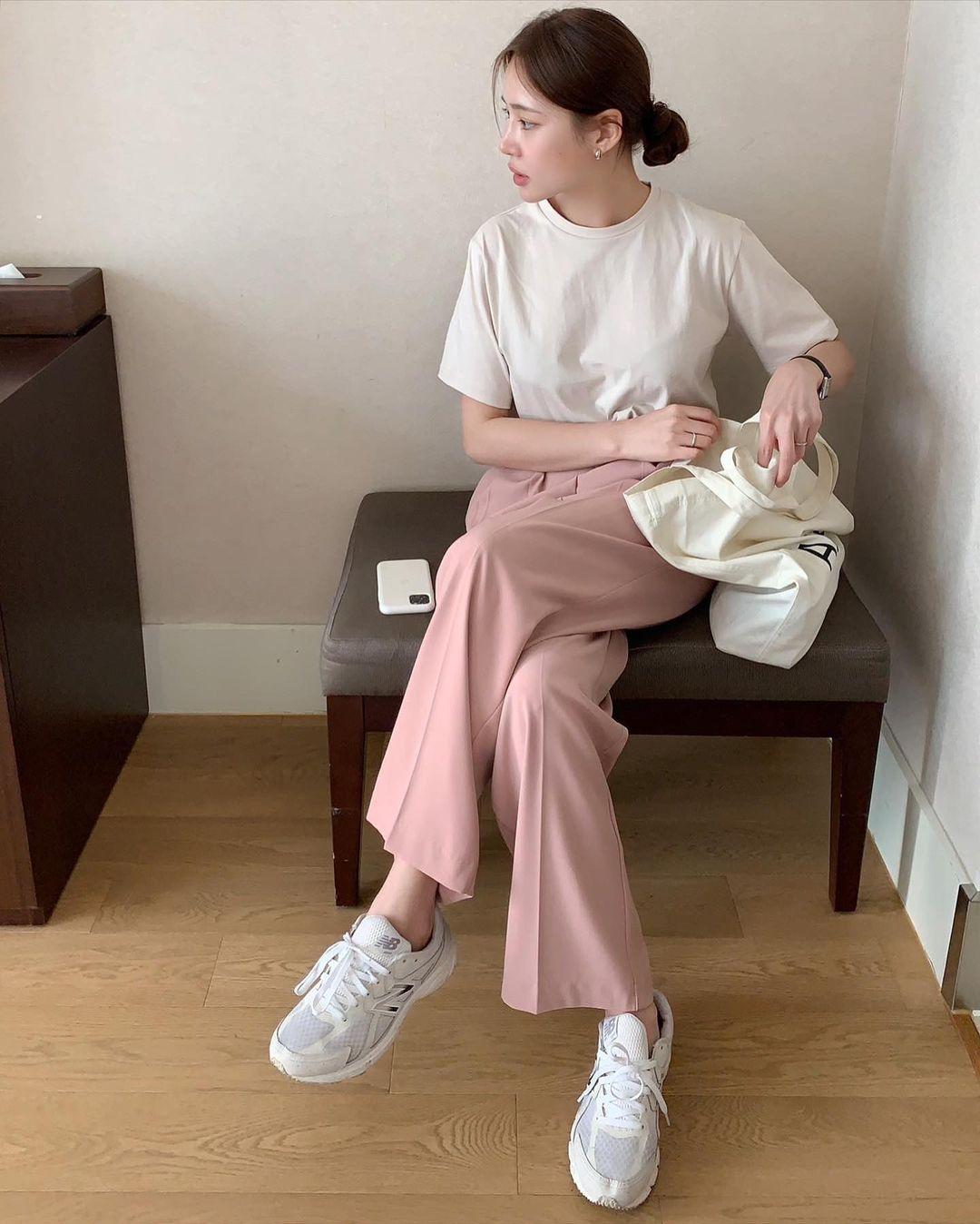 5 mẫu giày dép gái Hàn đang chuộng mix với quần âu để sang chảnh hóa cả set đồ công sở - Ảnh 4