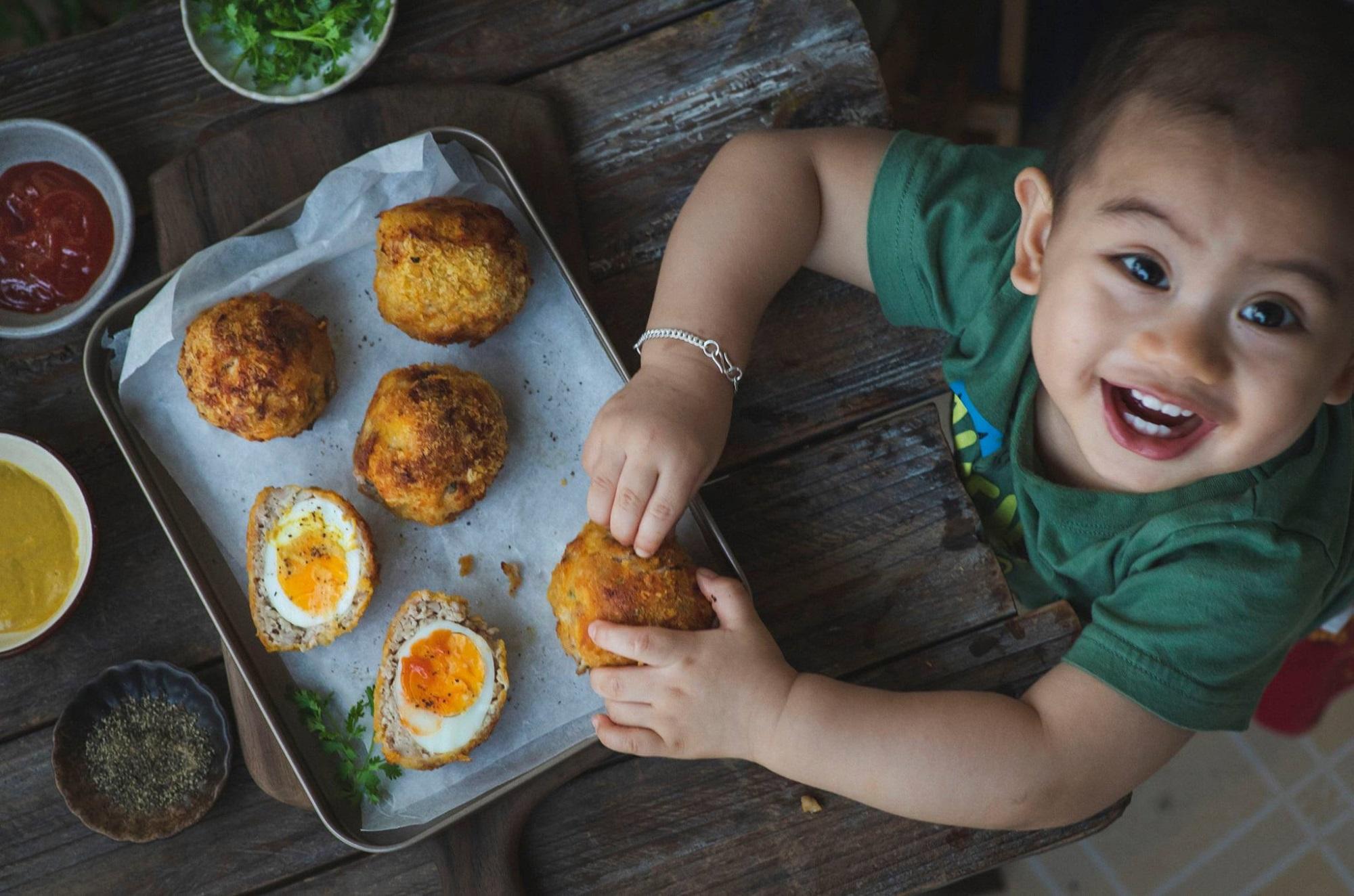Bắt 'trend' làm mau món 'trứng dã ngoại': Béo tròn núc ních, bên ngoài giòn rụm, bên trong ngọt mềm, ăn cơm ăn chơi đều xuất sắc - Ảnh 9