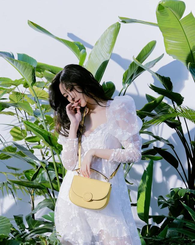 Diện váy trắng là trẻ xinh nhất, nhưng nhìn bộ váy mà Yoona diện thì nên suy nghĩ lại - Ảnh 8