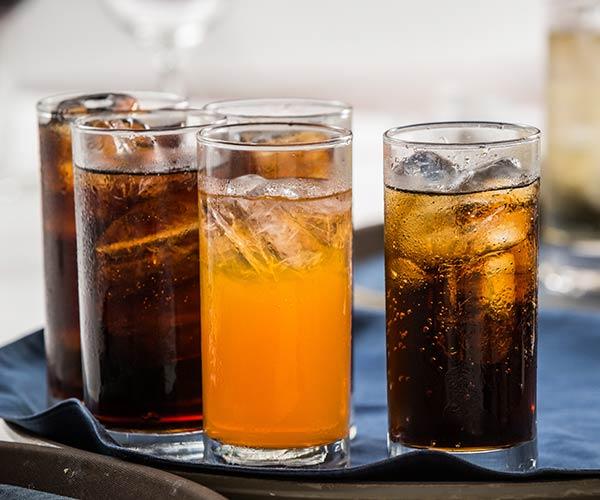 7 kiểu ăn uống khiến phụ nữ già nhanh khủng khiếp, sức khỏe cũng bị suy giảm đáng kể - Ảnh 3