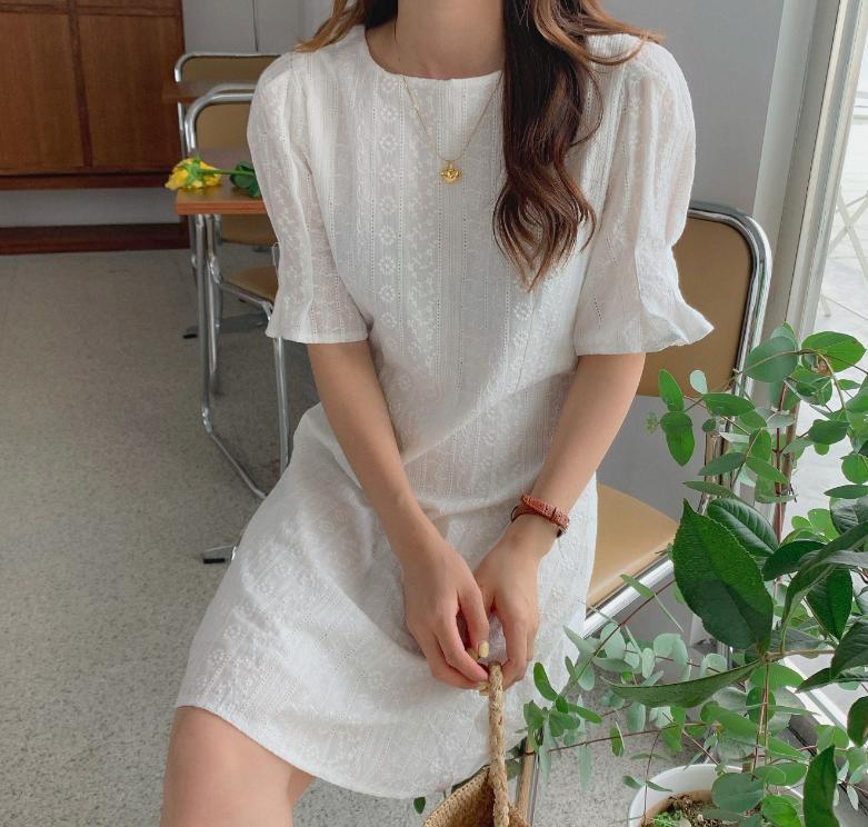 Diện váy trắng là trẻ xinh nhất, nhưng nhìn bộ váy mà Yoona diện thì nên suy nghĩ lại - Ảnh 6