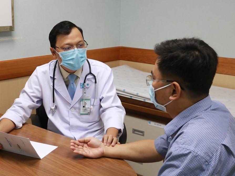 Thường xuyên làm việc căng thẳng, người đàn ông 35 tuổi bị nhồi máu cơ tim cấp