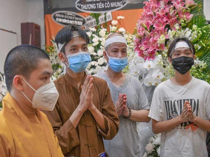 Hốt hoảng Hồ Văn Cường càng ngày càng gầy trơ xương sau khi mẹ nuôi Phi Nhung qua đời - Ảnh 2