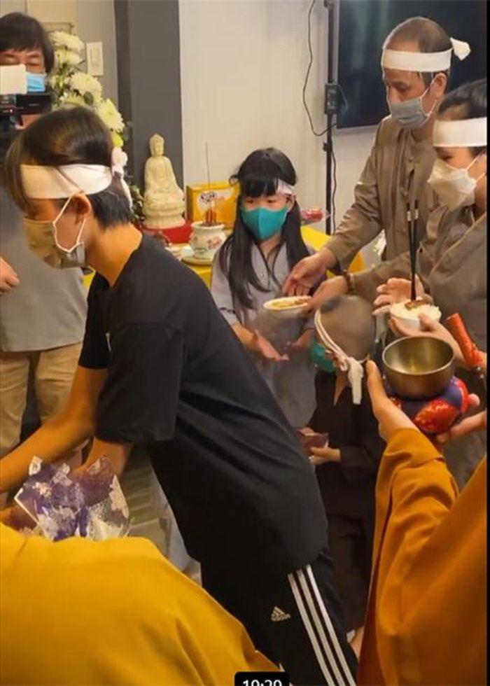 Hốt hoảng Hồ Văn Cường càng ngày càng gầy trơ xương sau khi mẹ nuôi Phi Nhung qua đời - Ảnh 7
