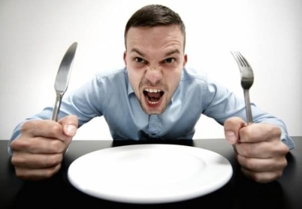Những thực phẩm CẤM ăn lúc đói nếu không muốn bị đau dạ dày - Ảnh 1