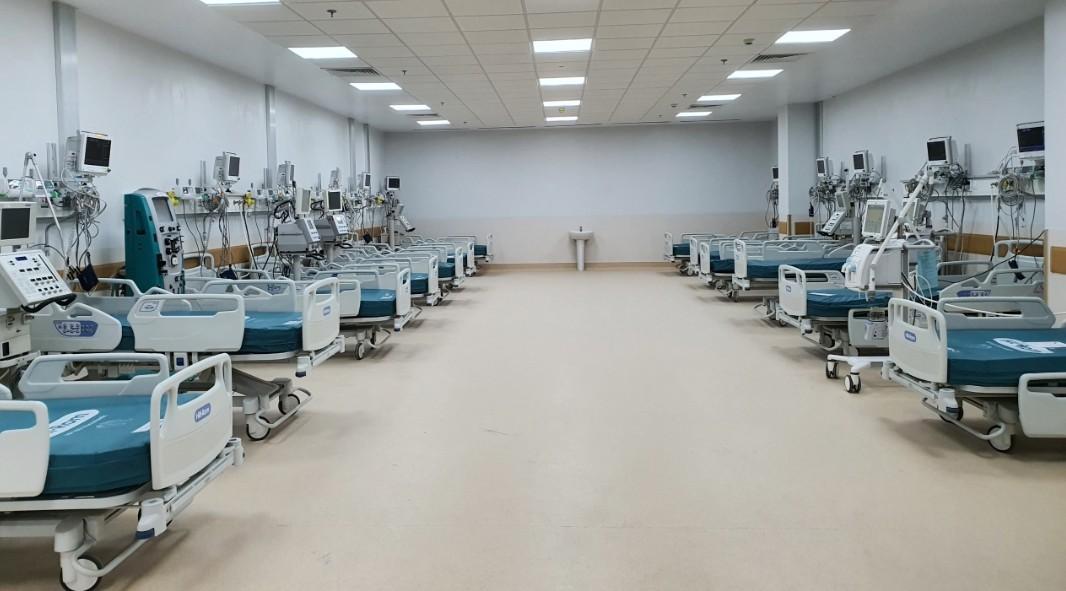 Những hình ảnh mới nhất bên trong bệnh viện hồi sức Covid-19 của TP HCM