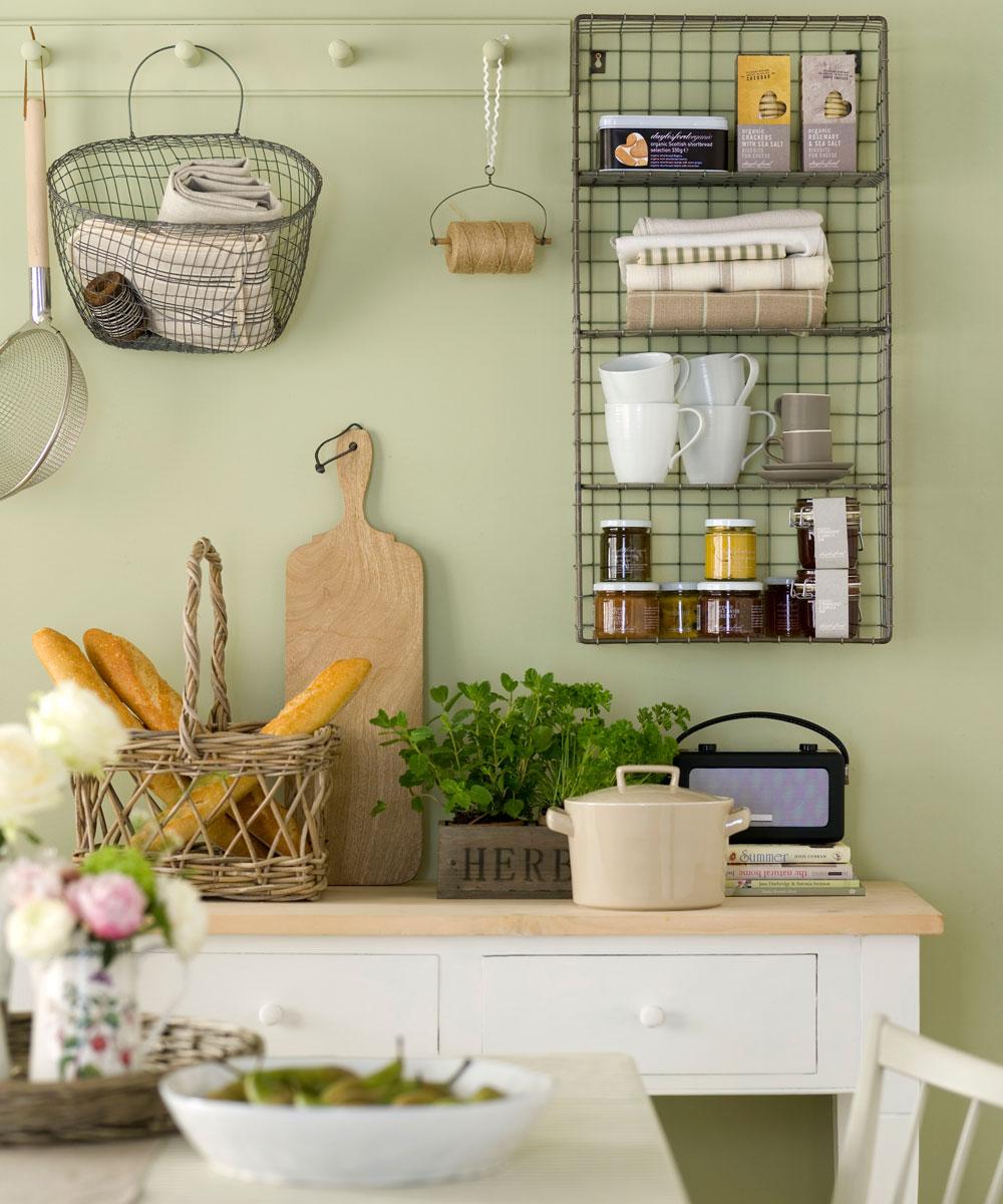 Ý tưởng sơn tường màu xanh giúp phòng bếp trở nên bắt mắt