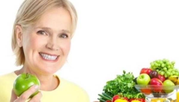 Chế độ ăn uống cho phụ nữ tiền mãn kinh - Ảnh 1