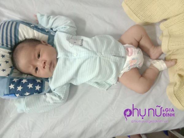 Vừa chào đời đã mồ côi mẹ, bé trai 20 ngày tuổi khát sữa, gồng mình chống chọi căn bệnh hiểm nghèo