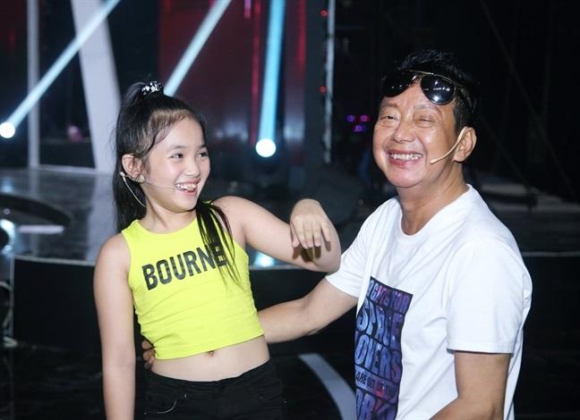 Mẹ nghệ sĩ Khánh Nam: 'Lúc vuốt mặt nó, tôi định rầy vì tội không nghe lời' - Ảnh 3