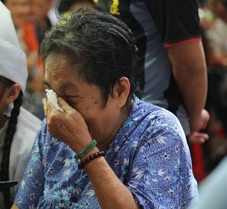 Mẹ nghệ sĩ Khánh Nam: 'Lúc vuốt mặt nó, tôi định rầy vì tội không nghe lời' - Ảnh 5