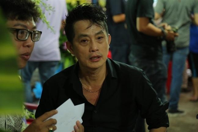 Mẹ nghệ sĩ Khánh Nam: 'Lúc vuốt mặt nó, tôi định rầy vì tội không nghe lời' - Ảnh 6