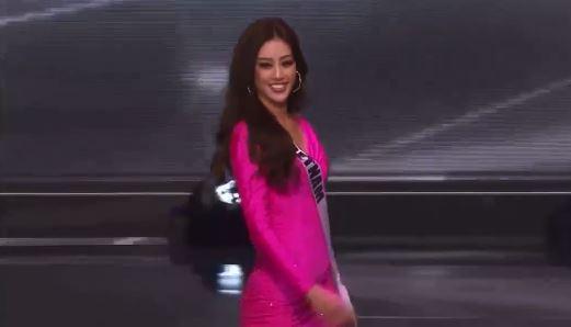 Bán kết Hoa hậu Hoàn vũ 2020: Tự hào trước màn trình diễn bikini thần thái và sexy của Khánh Vân, một thí sinh bị vấp - Ảnh 2