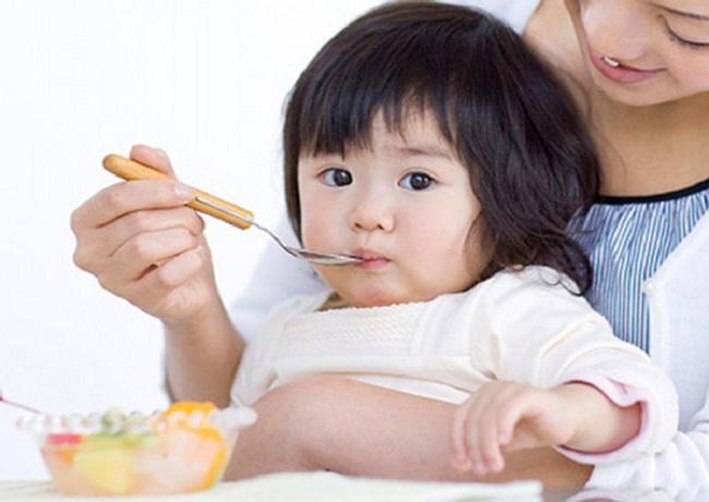 Đây là 3 lý do vì sao không nên nêm gia vị vào đồ ăn dặm cho trẻ dưới 1 tuổi - Ảnh 1