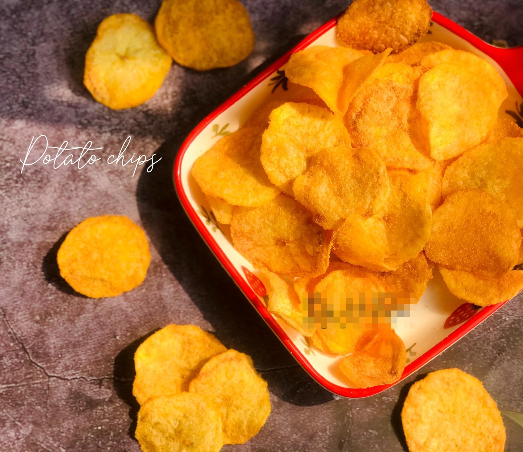 'Mẹ ác' tự tay 'sản xuất' khoai tây chiên phô mai giòn rụm cho con, hội chị em vào xin công thức tới tấp