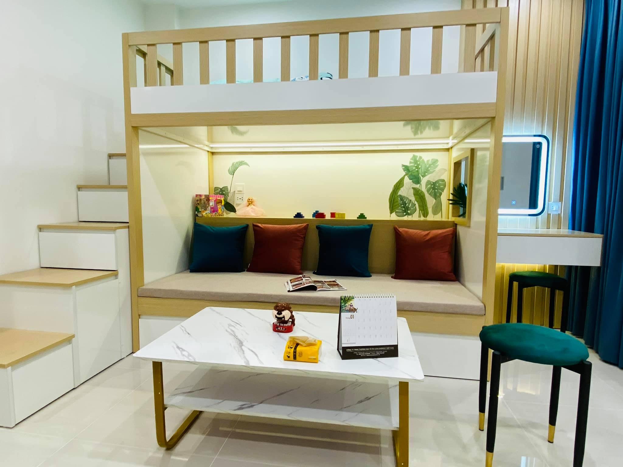 Cách sắp xếp nội thất thông minh và cực chill của căn hộ 30m vuông giúp không gian sống rộng thênh thang