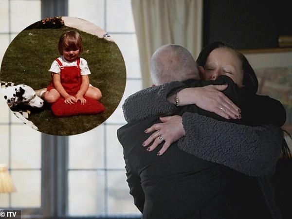 Nghẹn ngào giây phút người phụ nữ đoàn tụ cùng anh trai sau hơn 30 năm thất lạc, gia đình là động lực để người thân luôn tìm ra nhau