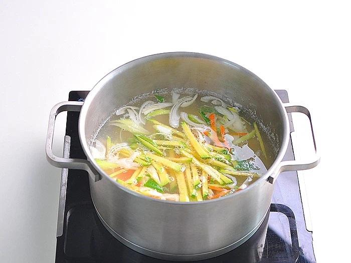 Món súp này ăn khuya hay ăn sáng đều cực đỉnh, nhẹ bụng lại giúp da dẻ căng mịn đẹp xinh - Ảnh 6