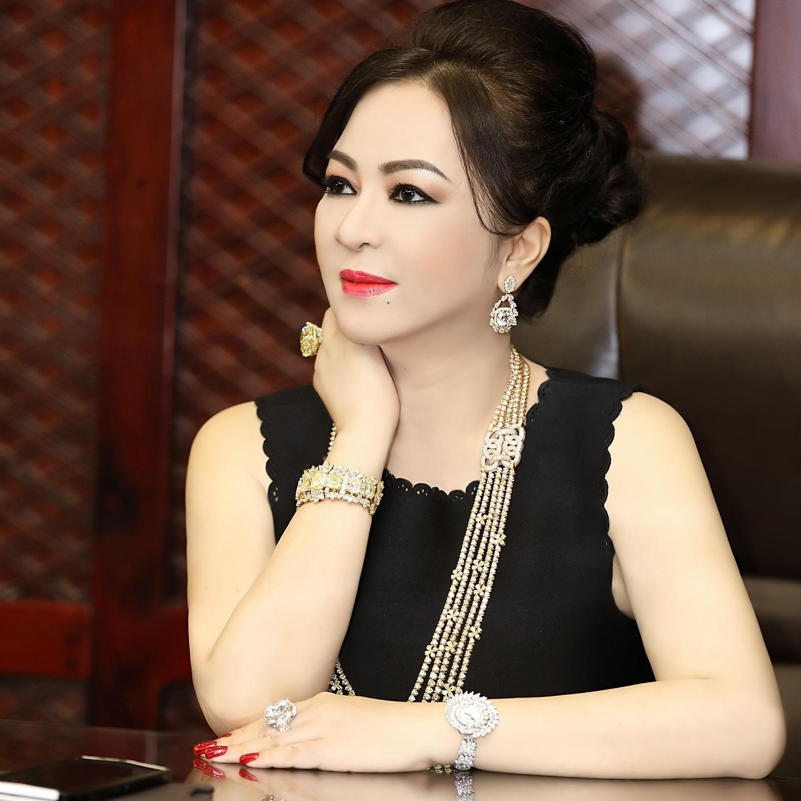 'Ông hoàng quảng cáo Việt Nam' sẽ bắt tay với bà Phương Hằng 'vạch mặt' giới nghệ sĩ? - Ảnh 1