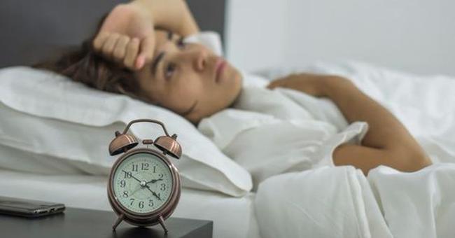 Bác sĩ cảnh báo 8 yếu tố thường thấy trong cuộc sống hàng ngày có thể gây teo não - Ảnh 3