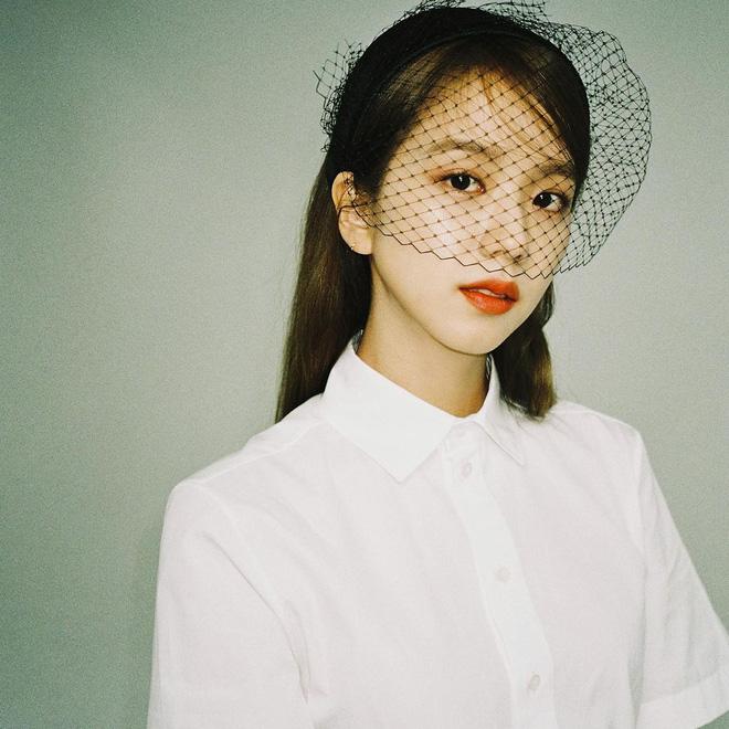 Jisoo (BLACKPINK) gây bão MXH chỉ với 1 bức ảnh: Danh xưng 'Hoa hậu Hàn Quốc' đúng là không tự nhiên mà có! - Ảnh 1
