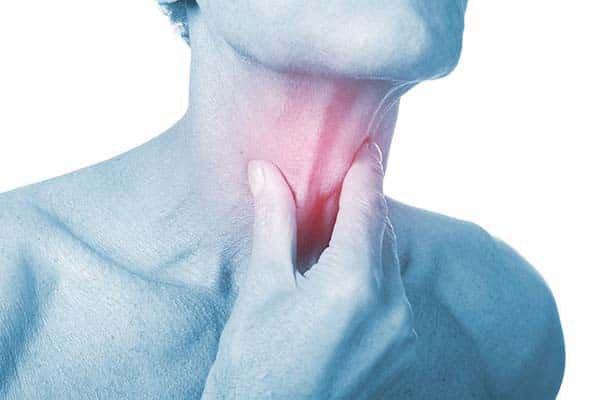 Nguyên nhân đau họng thường xuyên có thể gây ra bệnhung thư nguy hiểm - Ảnh 2