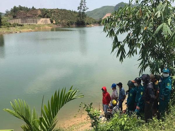 Đà Nẵng: Đi chơi lễ cùng nhóm bạn, nam du khách chết đuối ở hồ Hòa Trung