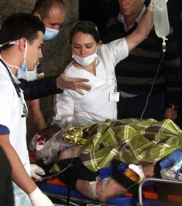 Ngồi cạnh nhau, 2 cầu thủ đội bóng đá Brazil may mắn thoát chết trong vụ tai nạn máy bay - Ảnh 3