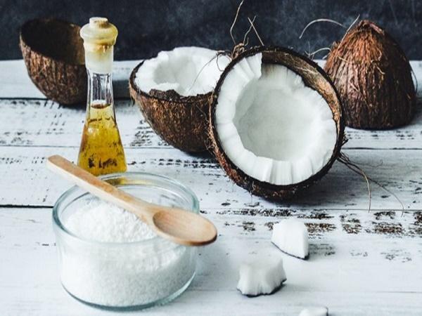 4 bước ủ tóc bằng dầu dừa giúp tóc khỏe và dày