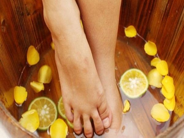 Nguyên nhân và cách trị nứt nẻ gót chân vào mùa đông