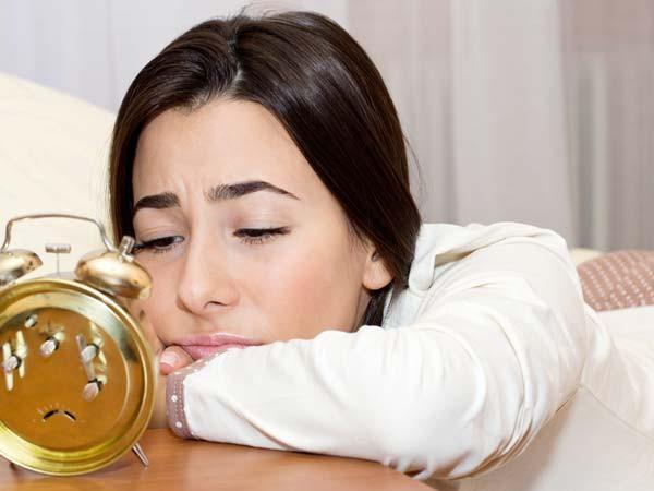 8 giải pháp chữa mất ngủ kiểu Ấn Độ không chỉ giúp bạn ngủ sâu, làm đẹp da mà còn đem lại nhiều lợi ích khác - Ảnh 1