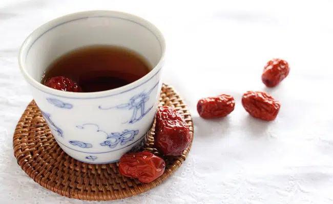 Kiên trì uống loại trà này trong 2 tuần, chị em sẽ thấy nhan sắc của mình 'lên hương' đáng kể! - Ảnh 3
