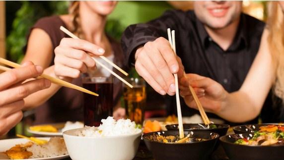 Loại vi khuẩn mà 70% người Việt đang nhiễm: Thuộc nhóm gây ung thư số 1, dễ lây lan cho nhau qua 4 thói quen tai hại khi ăn cơm - Ảnh 2