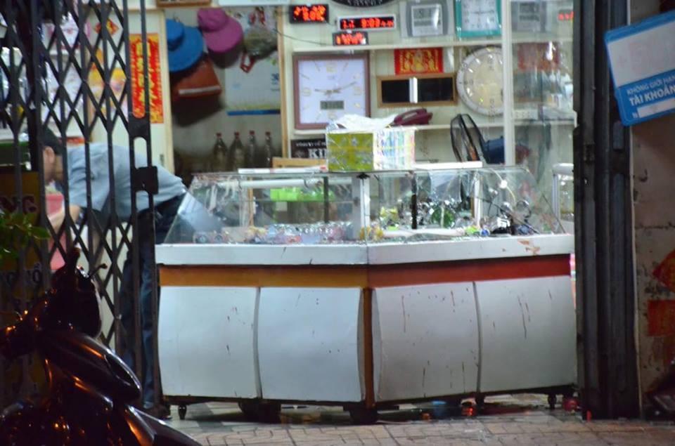 Đối tượng đâm nữ chủ tiệm đồng hồ ở Sài Gòn có biểu hiện tâm thần - Ảnh 1