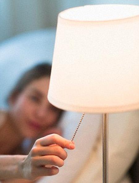 5 thói quen xấu khi ngủ khiến bạn dễ bị béo bụng - Ảnh 3